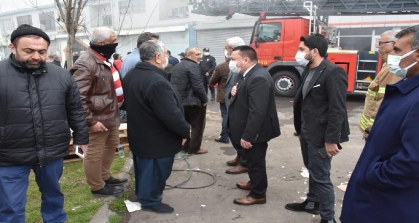 Başkan Beyoğlu, yangının çıktığı depoyu inceledi