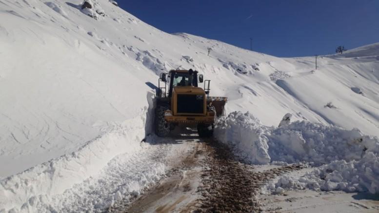 Büyükşehir ilçelerde kar mücadele çalışmalarını sürdürüyor