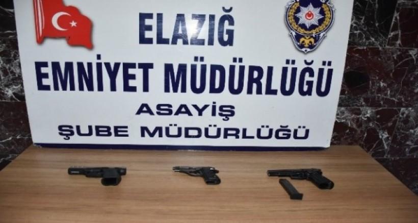 Çeşitli suçlardan aranan 15 şüpheli tutuklandı