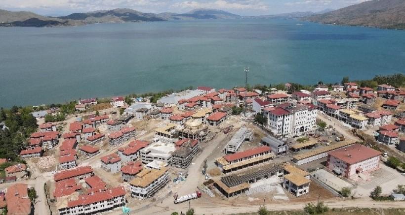 Depremin merkezi Sivrice'de dönüşüm sürüyor