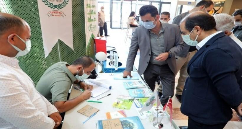Diyarbakır'da ambalaj atığı getirene fidan hediye edildi