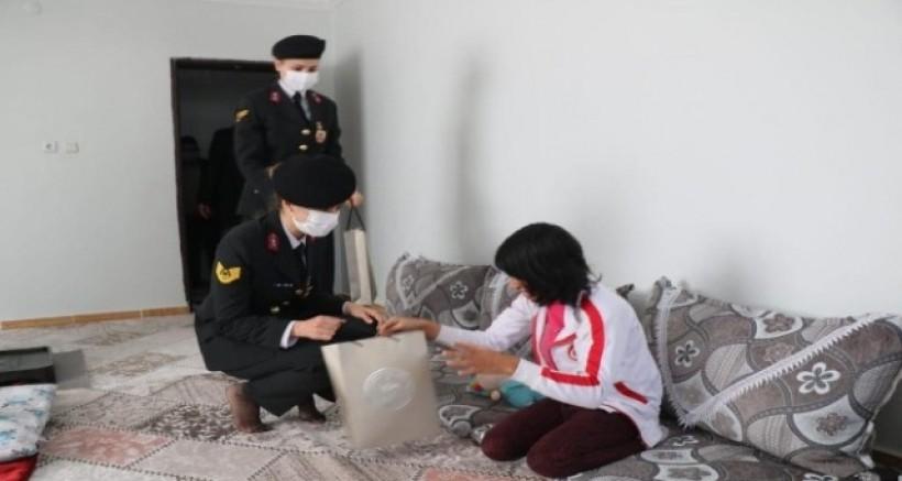 Diyarbakır'da Mehmetçik, engelli vatandaşlarla bir araya geldi