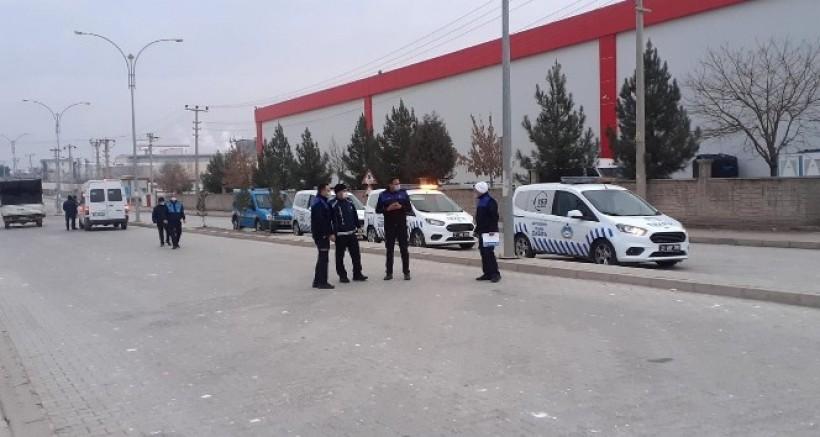 Diyarbakır'da zabıta ekiplerinden servis araçlarına korona virüs denetimi
