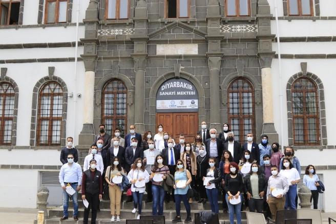 Diyarbakır Sanayi Mektebi'nde Eğitimler yoğun ilgiyle devam ediyor