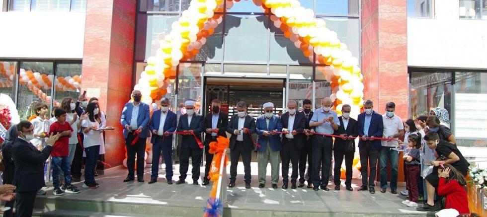 Hürriyet Koleji Diyarbakır kampüsü görkemli bir törenle açıldı