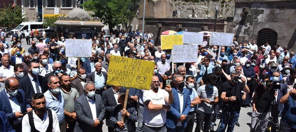 İYİ Parti heyeti 'Bitlis Dere Üstü Islah Projesi' için basın açıklaması düzenledi