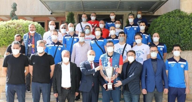 Mardin Valisi Demirtaş, Yeni Kızıltepespor takımını kabul etti