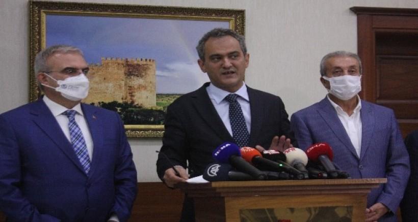 Özer, Diyarbakır'a dev proje müjdelerini verdi