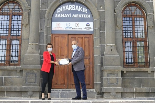 Sanayi Mektebi'nde katılımcılara sertifikaları verildi