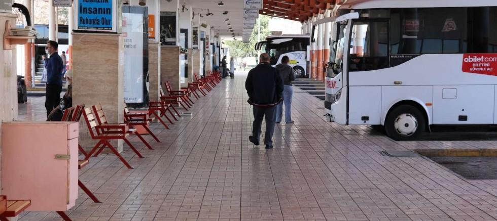 şehirler arası seyahat kısıtlaması kaldırıldı