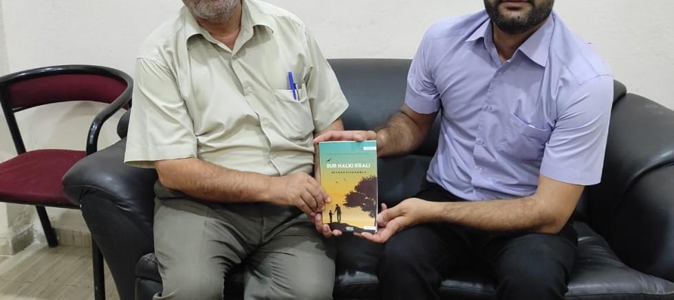 Yazar Sinanoğlu'ndan sosyal  sorumluluk projesi