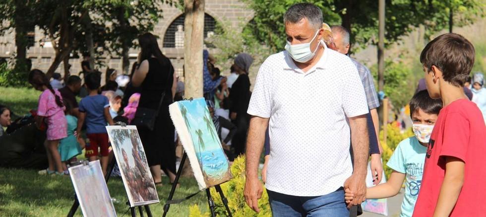 Yetimler Vakfı'ndan Filistin için resim sergisi