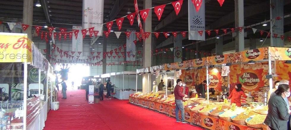Yöresel ürünler fuarına katılan esnaf Ramazan öncesi umutlu
